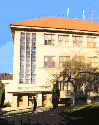 Foto školy v Unhošti.