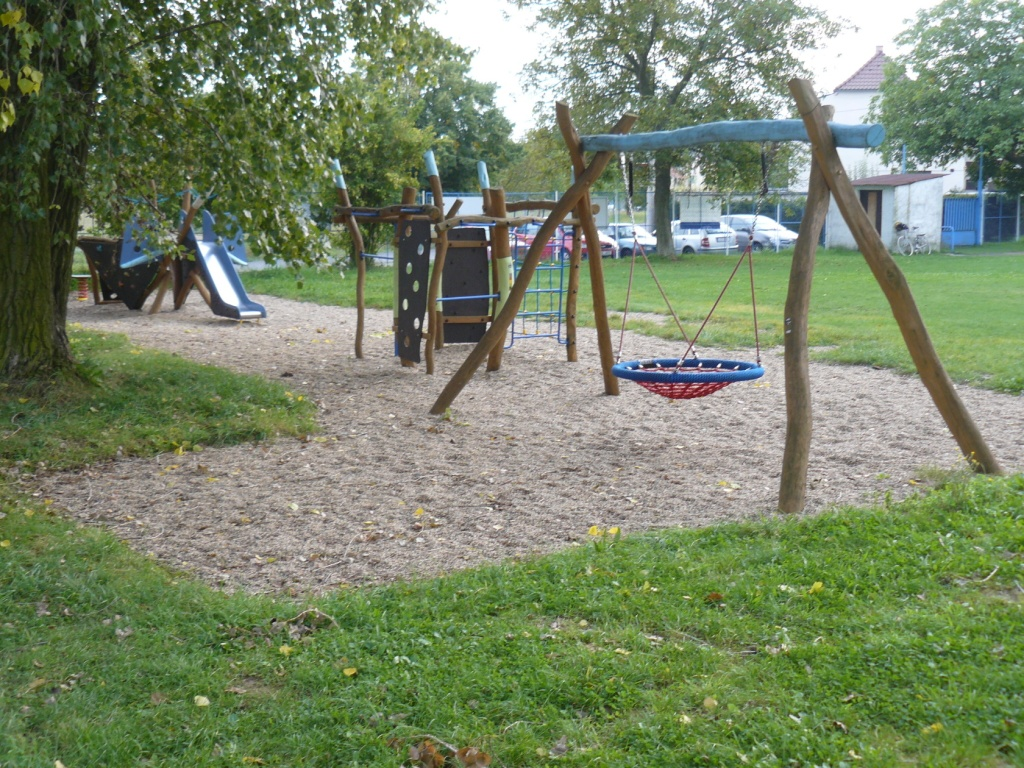 Dětské hřiště Valdek - foto 4.