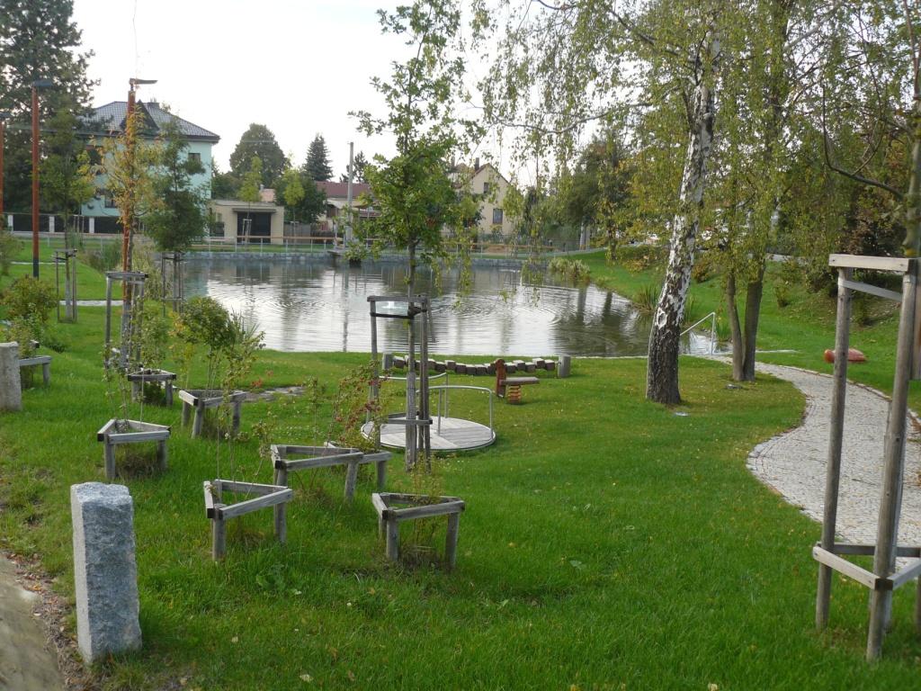 Foto valdeckého rybníka a okolí č.1.