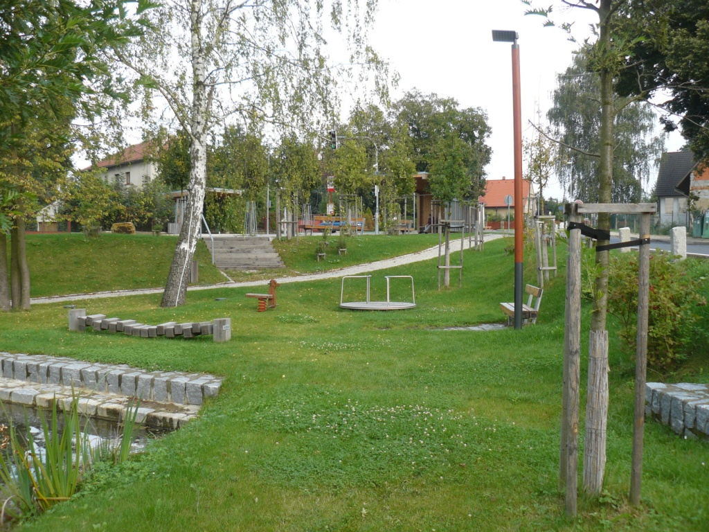 Foto valdeckého rybníka a okolí č.4.
