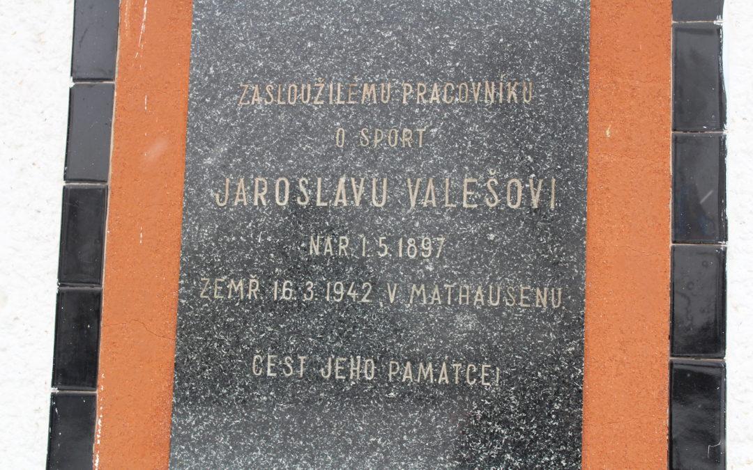 Pamětní deska na stadionu Jaroslava Valeše