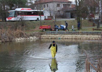 Výlov_rybníka_na_Valdeku__17_